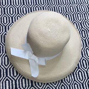 NWOT NORDSTROM RACK • Floppy Straw Natural Bow Hat